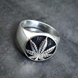 טבעת קנאביס - טבעת כסף לגבר - ארז תכשיטים