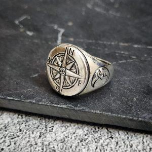 טבעת מצפן לגבר