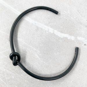 צמיד קשר שחור