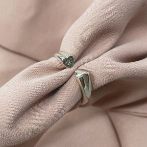 טבעת כסף - פתוחה - לב משובץ